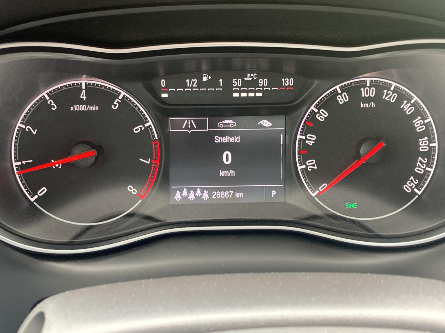Opel-Zafira-24